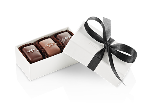3pc-salted-caramels-ivory-black-angle